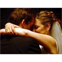 İdeal Olan Evlilik Yaşı Nedir?