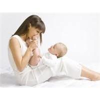 Doğum Sonrası Emziren Anne Diyeti