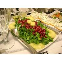 Ananaslı Kuzukulağı Salatası.