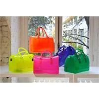 Bu Yazın Trendi Transparan Çantalar