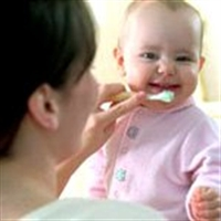 Bebeğiniz İlk Dişini Çıkarıyor