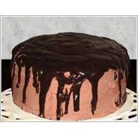 Çikolata Soslu Pasta Yapımı