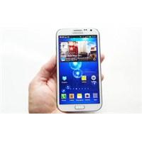 3 Değişik Galaxy Note 3, Bir Arada!