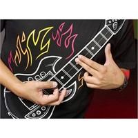Wearable Rock! T-shirt'ünle Konser Ver!
