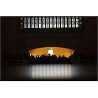Dünyanın En Büyük Apple Mağazası Kapılarını Açtı