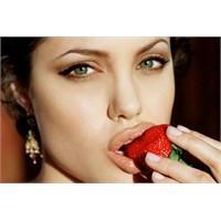 Angelina Jolie'nin Sır Diyeti
