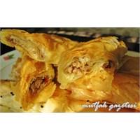 Karaköy Böreği Tarifi- Kıymalı