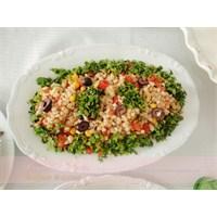 Domates Soslu Buğday Salatası