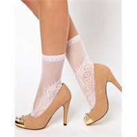 İşte En Moda Bayan Çorap Tasarımları