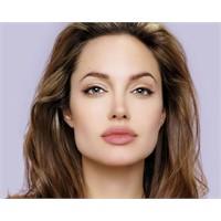 Oscarın Tek Güzeli : Angelina Jolie