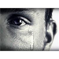 Erkeğin Ağlaması Onun Hakkında Bilgi Verir Mi?