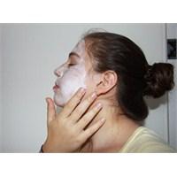 Yorgun Cildinize Yoğurt Maskesi