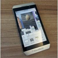 Yeni Blackberry Telefonlar Ve Yeni Playbook