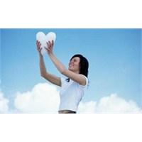 Bir Gün Aşksız Da Yaşanabileceğini Öğrenmelisiniz