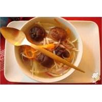 Mantarlı Pırasalı Pirinç Çorbası