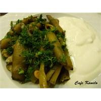 Cafe Kanelo'nun Zeytinyağlı Bakla Tarifi