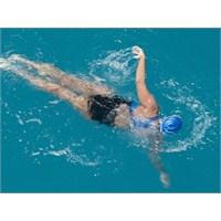 Kadın Yüzücü 64 Yaşında Hayalini Gerçekleştirdi