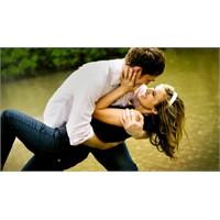 """""""Aşık Erkek"""" Tavırlarından Bellidir"""