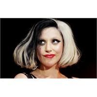 Lady Gaga Zirvede!