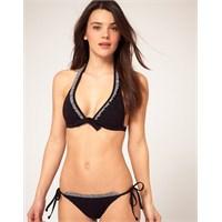 En Yeni Plaj Modası : Siyah Bikiniler