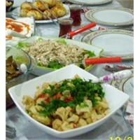 Ahterce Karnıbahar Salatası Tarifi
