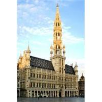 Brüksel'in Güzeli - Hotel De Ville
