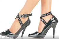 Topuklu Ayakkabılar Seksi Gösteriyor