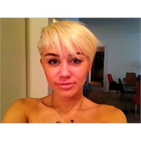 Sen Ne Yaptın Miley????