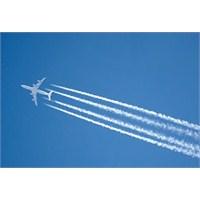 Uçaklar Arkalarinda Neden Beyaz Duman Birakirlar?