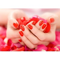 Güzel Ellerin Sırrı Bakımlı Tırnaklar