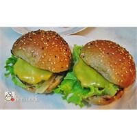 """Gerçek Hamburger Ekmeği İle Evde """"Cheeseburger"""""""