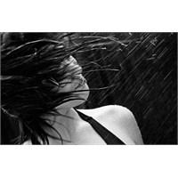 Yağmur Suyunun Saçlara Etkisi