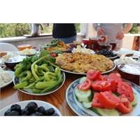 Gıdaları Seçerken Ve Saklarken Dikkatli Olmalıyız