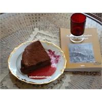 Geceye Eşlik Eden Renkler, Çikolatalı Peykek