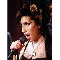 Amy Winehouse'un Yeni Albümü Geliyor!