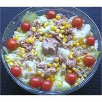 Ton Balıklı Salata Tarifi, Yapılışı Ve Malzemeleri