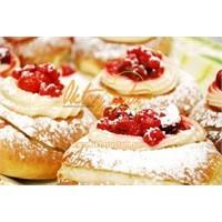 Üç Meyveli Alman Pastası Tarifi