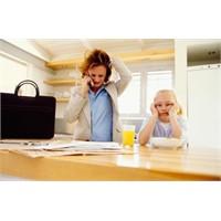 Çalışan Anneler Babalardan Daha Çok İş Yapıyor!