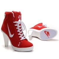Topuklu Spor Ayakkabı Modası