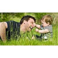 Babanın Yaşı Bebeği Nasıl Etkiler?