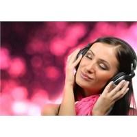 İnternette En Çok Dinlenen Şarkılar