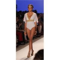 Mayo Bikini Mercedes Benz Moda Haftası