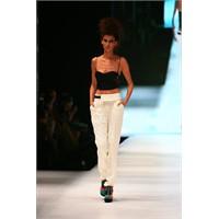 Günseli türkay istanbul fashion week defilesi