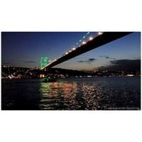 İstanbul'da Gece Ve Yansımalar