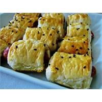 Sosisli Minik Milföy Börekleri