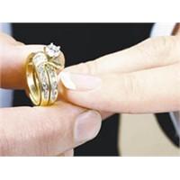 Evlilik Korkusunun Nedenleri Ve Belirtileri