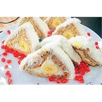 Muz Sevenlere Muz Piramit Pasta