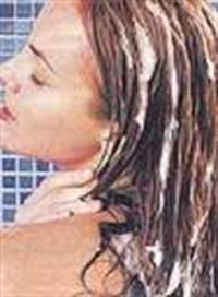 Saçlarınızda Doğla Parlaklıkmı İstiyorsunuz..?