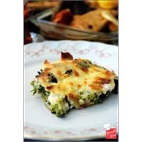 Yemek Cini - Beşamelli & Patatesli Brokoli Böreği