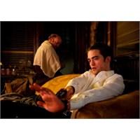 Robert Pattinson, Saddam'ın Peşine Düşecek